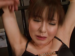 Limited  gets her pussy fingered