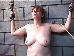 Thick lady gets her funbags..