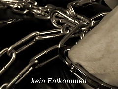 chain  & leather fetish Lady..